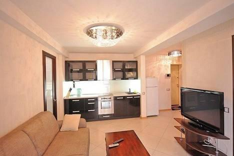 Сдается 2-комнатная квартира посуточно в Киеве, ул. Большая Васильковская, 101.