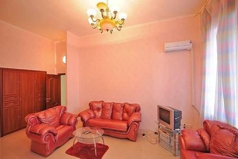 Сдается 2-комнатная квартира посуточно в Киеве, ул. Горького, 7б.