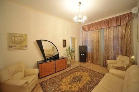 Сдается 3-комнатная квартира посуточно в Киеве, ул. Шота Руставели, 27б.