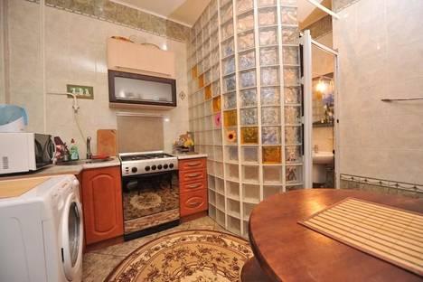 Сдается 3-комнатная квартира посуточно в Киеве, ул. Андреевский спуск, 11.