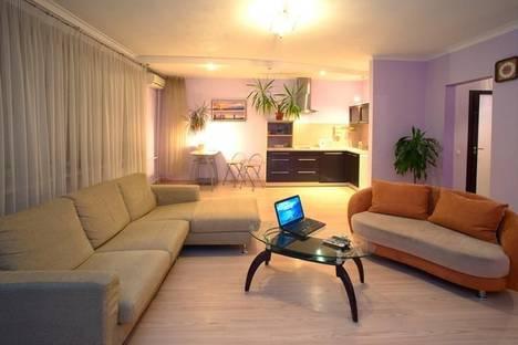 Сдается 1-комнатная квартира посуточно в Киеве, ул. Межигорская, 28.