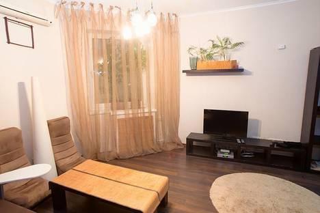 Сдается 2-комнатная квартира посуточно в Киеве, ул. Никольско - Слободская, 2-б.