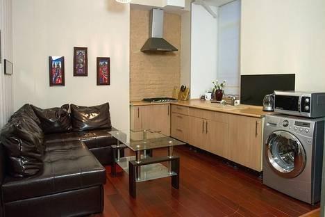 Сдается 1-комнатная квартира посуточно в Киеве, ул. Костельная, 9.