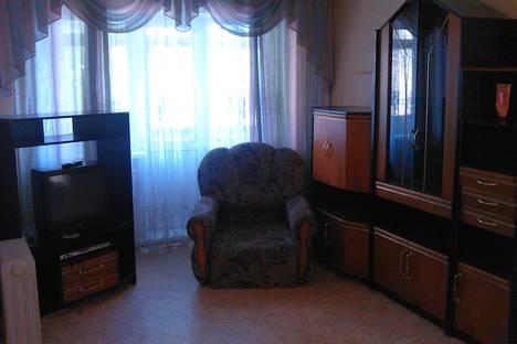 Сдается 1-комнатная квартира посуточнов Ачинске, микрорайон 1 дом 42.