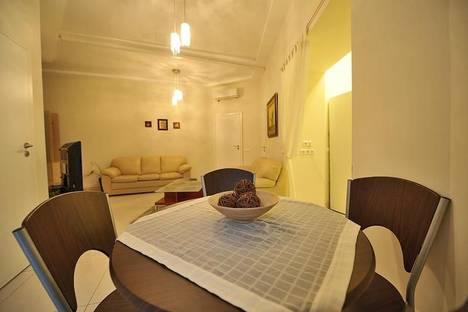 Сдается 2-комнатная квартира посуточно в Киеве, ул.Басейная,13.