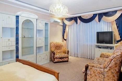 Сдается 1-комнатная квартира посуточно в Киеве, ул. Героев Днепра, 40а.