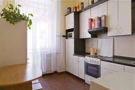 Сдается 1-комнатная квартира посуточно в Киеве, пер. Михайловский, 9-Б.