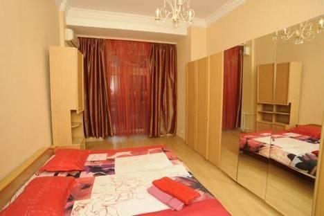 Сдается 3-комнатная квартира посуточно в Киеве, ул. Крещатик, 21.