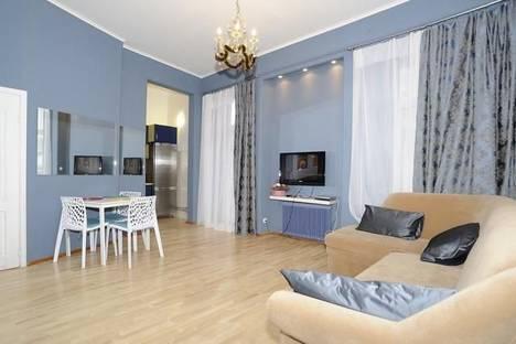 Сдается 3-комнатная квартира посуточно в Киеве, ул. Басейная, 3.