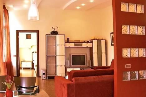 Сдается 2-комнатная квартира посуточно в Киеве, ул. Басейная, 3.