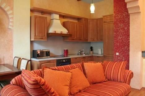 Сдается 2-комнатная квартира посуточно в Киеве, ул. Басейная, 5-А.
