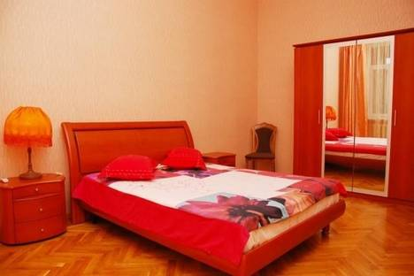 Сдается 2-комнатная квартира посуточно в Киеве, ул. Бассейная, 5-A.