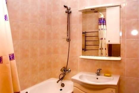 Сдается 2-комнатная квартира посуточно в Киеве, ул. Луначарского, 14.