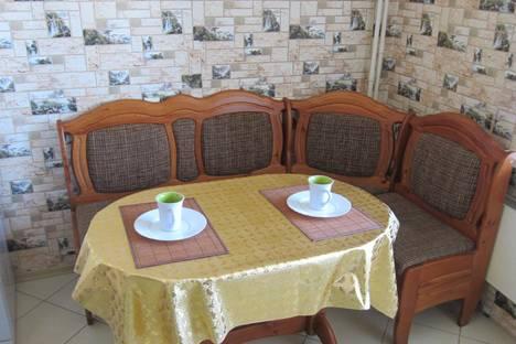 Сдается 2-комнатная квартира посуточно в Тамбове, ул. Ореховая, 3.