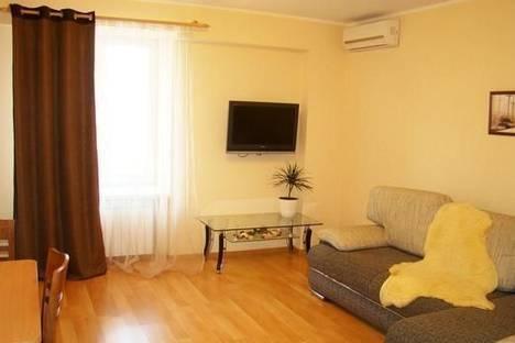 Сдается 3-комнатная квартира посуточно в Днепре, пр-т Кирова, 27д.