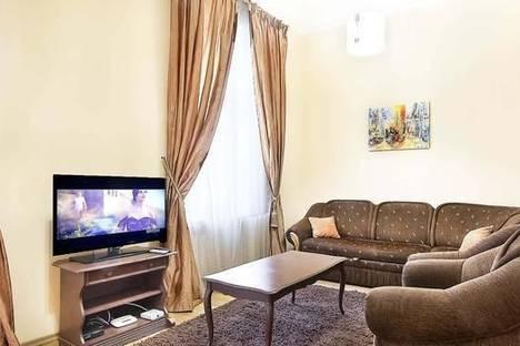Сдается 2-комнатная квартира посуточно в Киеве, ул. Бассейная, 15.
