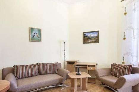 Сдается 2-комнатная квартира посуточно в Киеве, пер. Михайловский, 9А.