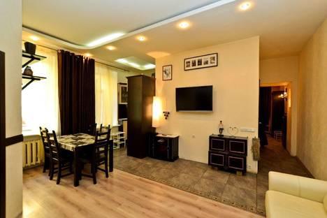 Сдается 3-комнатная квартира посуточнов Санкт-Петербурге, набережная реки Фонтанки 2.
