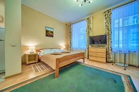 Сдается 1-комнатная квартира посуточно в Санкт-Петербурге, переулок Дмитровский, д.6.