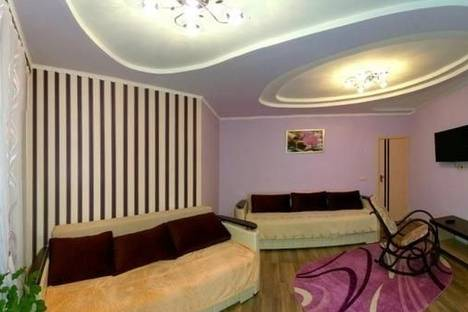 Сдается 2-комнатная квартира посуточно, ул. Ивасюка, 7а.