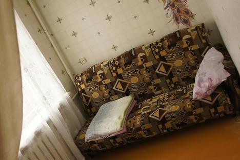 Сдается 1-комнатная квартира посуточно, ул. Комсомольская, 4.