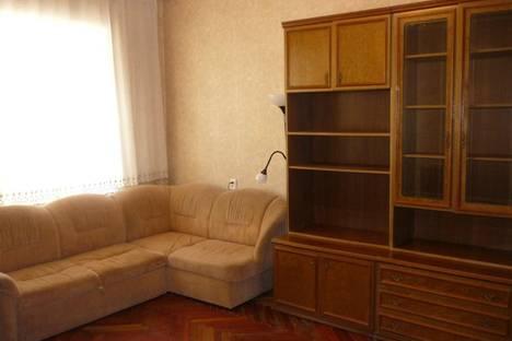 Сдается 3-комнатная квартира посуточнов Санкт-Петербурге, Марата, д. 4.