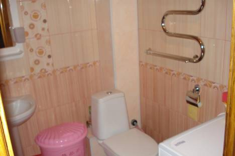 Сдается 1-комнатная квартира посуточно в Ейске, ул. Коммунаров, 26 , ЦЕНТР.