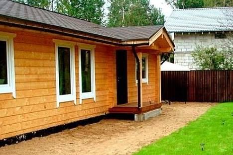 Сдается 1-комнатная квартира посуточнов Санкт-Петербурге, ул. Курляндская, 11.