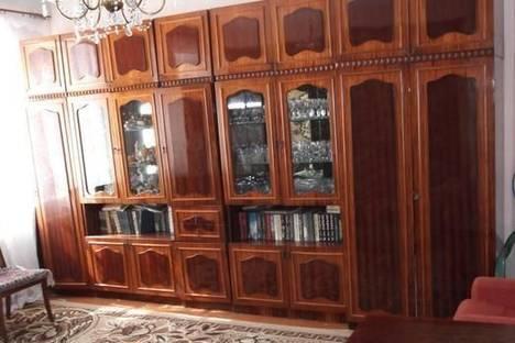 Сдается 2-комнатная квартира посуточно в Керчи, ул. Айвазовского , 31.
