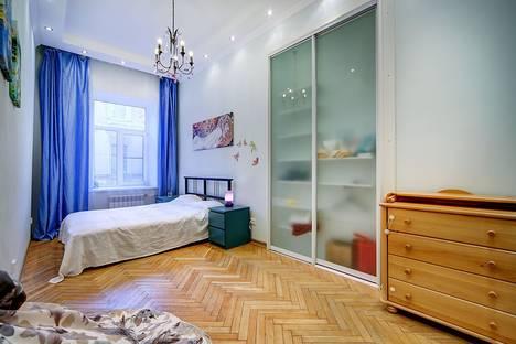 Сдается 2-комнатная квартира посуточнов Санкт-Петербурге, переулок Свечной, д.20.