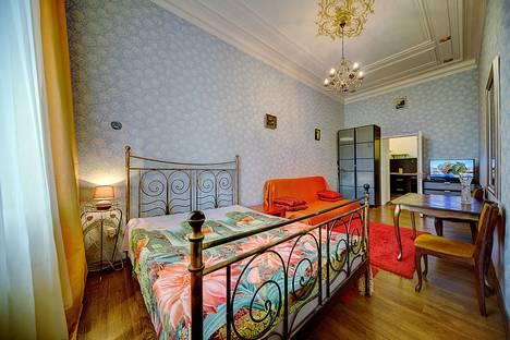 Сдается 1-комнатная квартира посуточно в Санкт-Петербурге, ул. Итальянская, д.21.