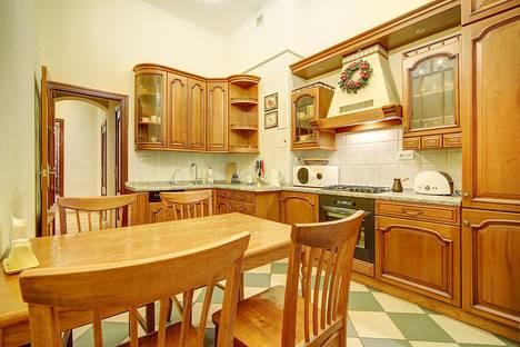 Сдается 2-комнатная квартира посуточнов Санкт-Петербурге, ул. Гончарная, д.24.