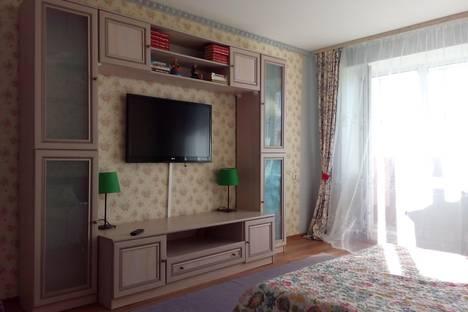 Сдается 1-комнатная квартира посуточно в Томске, ул. Ивана Черных,  14.
