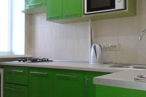 Сдается 1-комнатная квартира посуточнов Керчи, Кирова, 33.