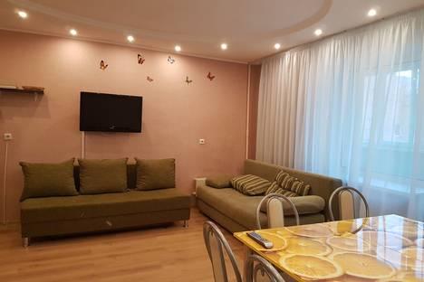 Сдается 3-комнатная квартира посуточнов Перми, ул. Барамзиной Татьяны, 42.