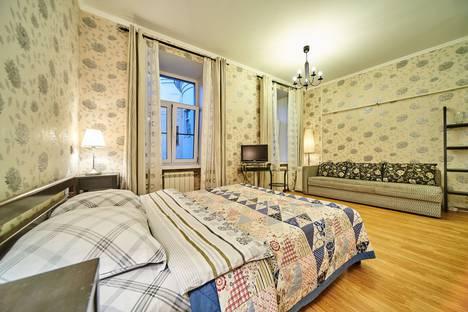 Сдается 1-комнатная квартира посуточно в Санкт-Петербурге, ул. Большая Конюшенная, д.5.