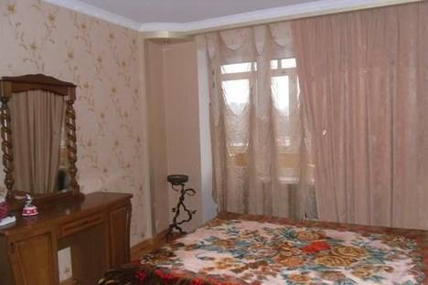 Сдается 2-комнатная квартира посуточно в Мариуполе, ул. 50 лет СССР , 44.