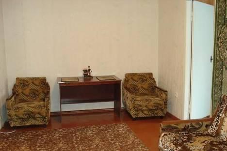 Сдается 2-комнатная квартира посуточно в Кременчуге, ул. Троицкая, 4.