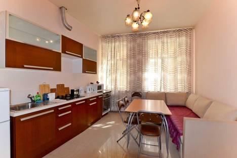 Сдается 2-комнатная квартира посуточнов Санкт-Петербурге, ул. Марата, 8.