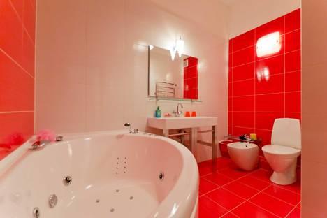 Сдается 2-комнатная квартира посуточнов Санкт-Петербурге, ул. Жуковского, 6.