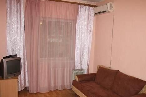 Сдается 1-комнатная квартира посуточно в Днепре, ул. Юрия Савченко, 4.