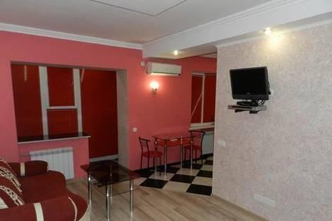 Сдается 1-комнатная квартира посуточно в Запорожье, ул. Александра Матросова, 19.