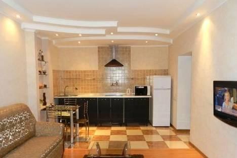 Сдается 2-комнатная квартира посуточно в Запорожье, б-р Центральный, 22А.
