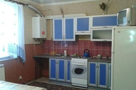 Сдается 3-комнатная квартира посуточнов Умани, ул. Пушкина, 38.