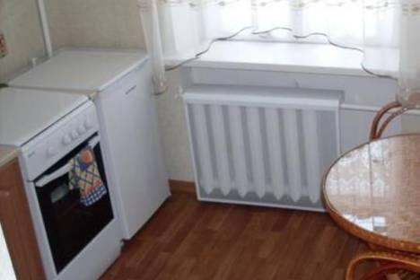 Сдается 2-комнатная квартира посуточно в Бердянске, ул. Горького, 49.