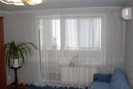 Сдается 1-комнатная квартира посуточно в Бердянске, ул. Мичурина, 85.