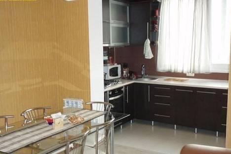 Сдается 2-комнатная квартира посуточно в Киеве, ул. Ревуцкого, 42.