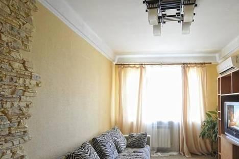 Сдается 2-комнатная квартира посуточно, ул. Белорусская, 17а.
