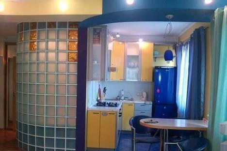 Сдается 2-комнатная квартира посуточно в Киеве, ул. Белорусская, 17а.