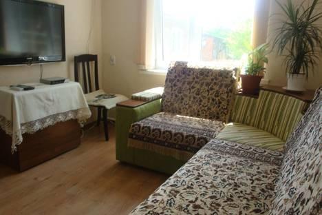 Сдается 3-комнатная квартира посуточнов Армавире, Шаумяна, 57.